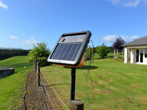 Gallagher S100 solar electric fence energizer