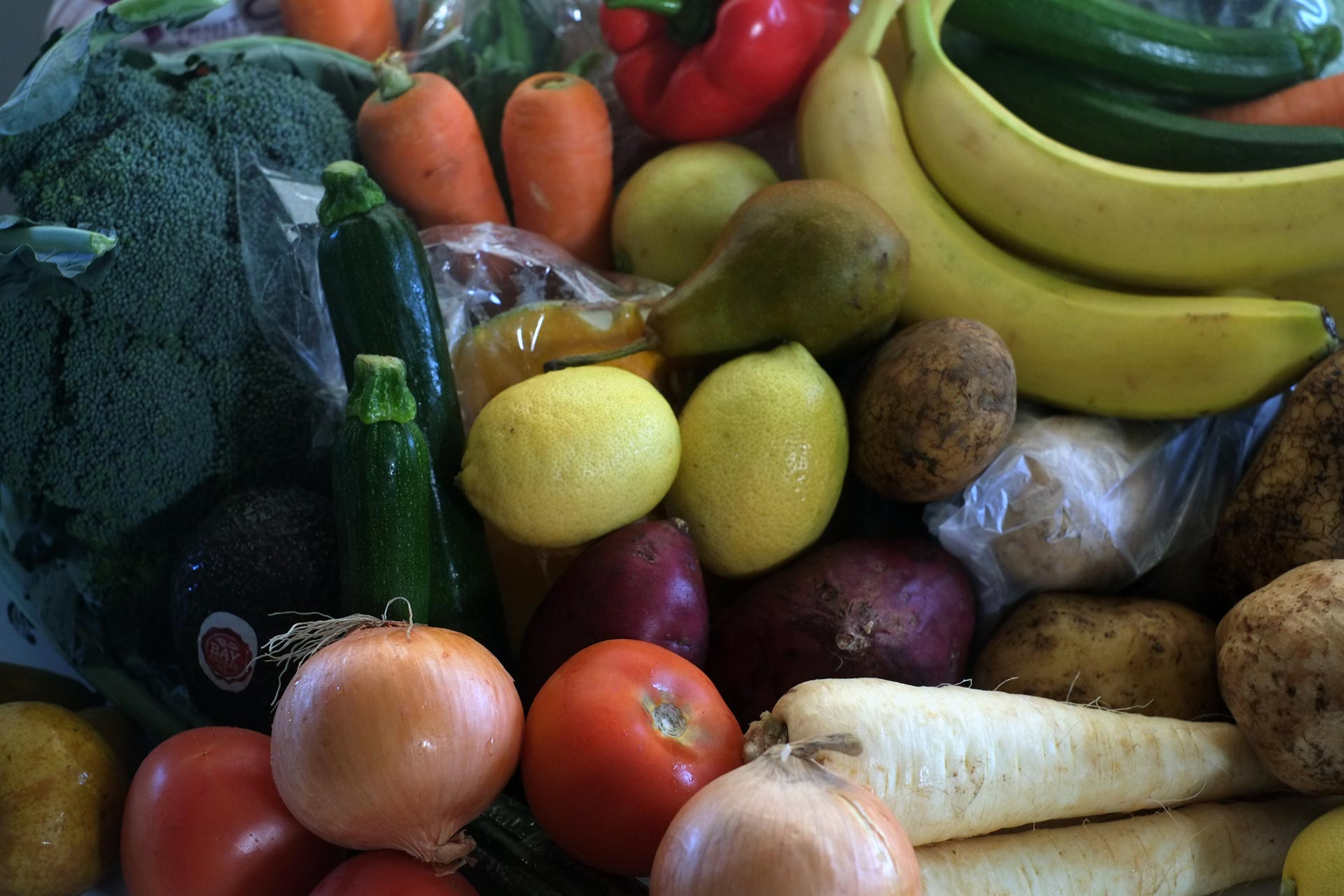 Fresh Family Vegetable and Fruit Box