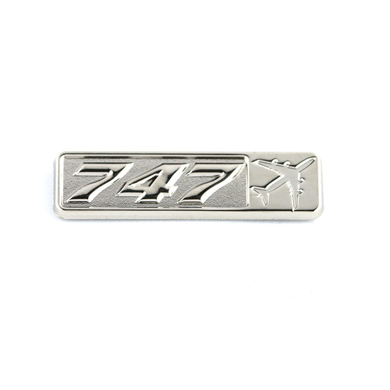 Pin Boeing 747 (rectangle with airplane silhouette)