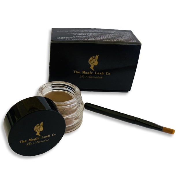 The Magic Brow Pomade