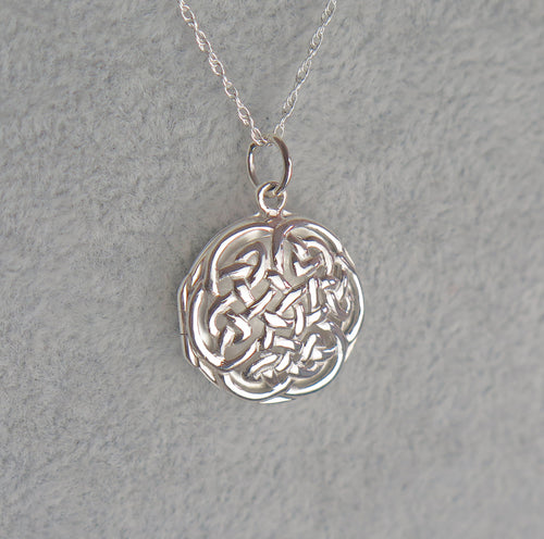Solid 925 Sterling Silver Celtic Knot Keepsake Locket