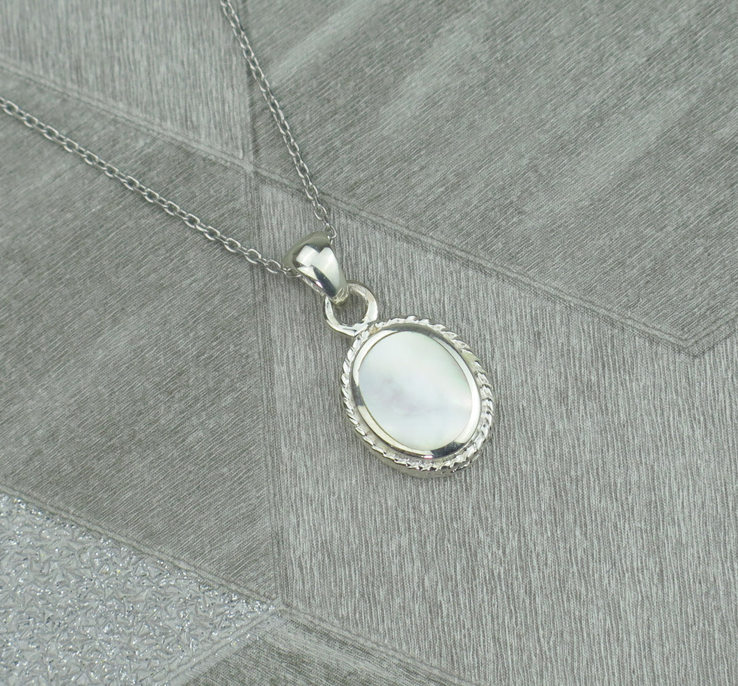 Lucky Vintage Cancer Sterling Silver Birthstone Pendant Necklace in Mother of Pearl