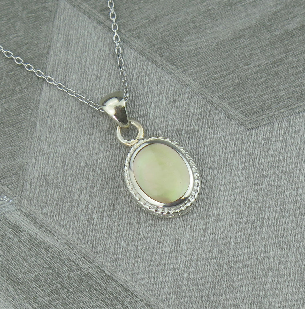Lucky Vintage Aries Sterling Silver Birthstone Pendant Necklace in Topaz Colour