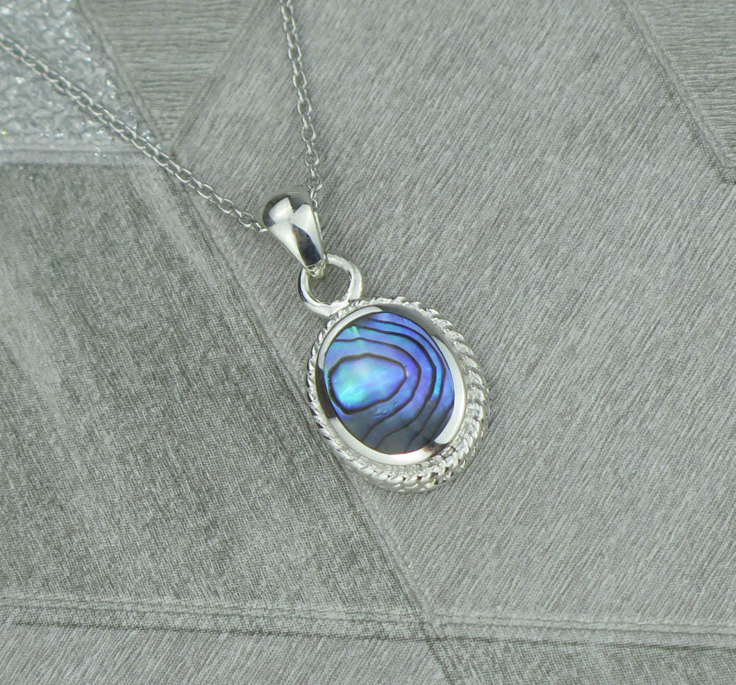 Lucky Vintage Aquarius Sterling Silver Birthstone Pendant Necklace in Oyster Shell