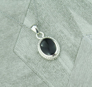 Lucky Vintage Capricorn Sterling Silver Birthstone Pendant Necklace in Onyx