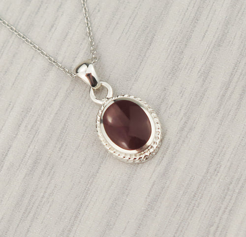 Lucky Vintage Virgo Sterling Silver Birthstone Pendant Necklace in Carnelian