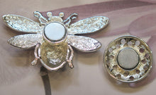 Load image into Gallery viewer, Multicoloured Bumble Bee Silver Plated Magnetic Brooch