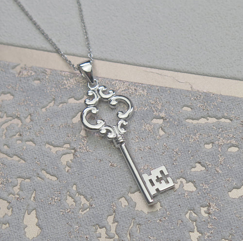 High Quality Solid 925 Sterling Silver Vintage Key Pendant Necklace