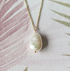 Natural Freshwater Pearl Pendant Necklace