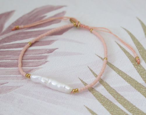 Natural Freshwater Pearl Adjustable Bracelet in Pink and Gold