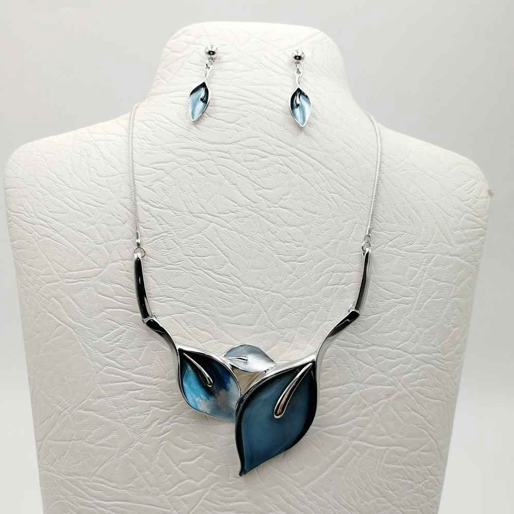 SivArt Leaf Pattern Necklace & Earrings Set