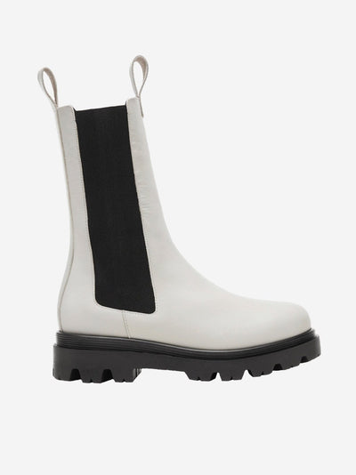 white boot #color_white