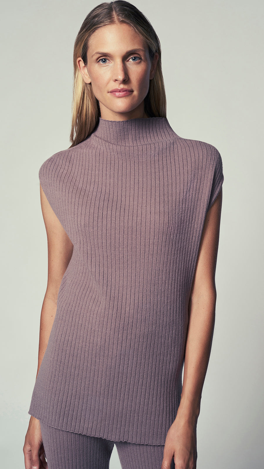 Sleeveless Funnelneck Tunic