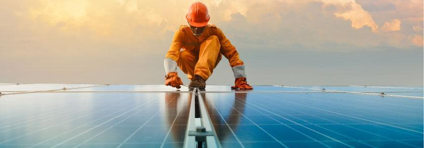 Pros and Cons: Professional Solar Installation vs. DIY
