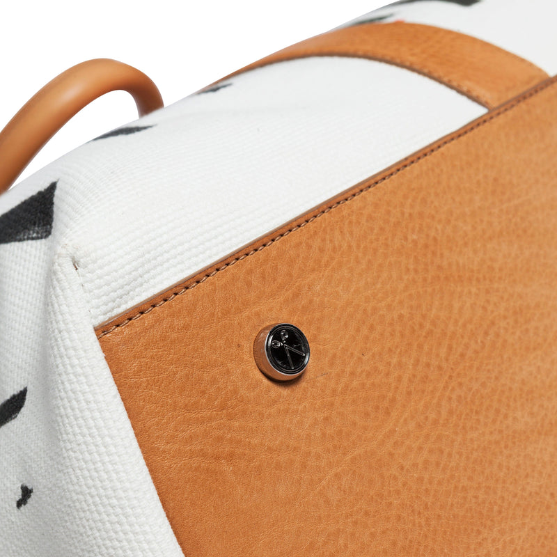 Nando Weekender Selden Art Canvas & Vachetta Leather bottomview