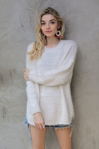 Soft and cozy oversized sweater in ivory S-L