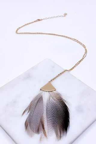 Beige feather necklace 32""