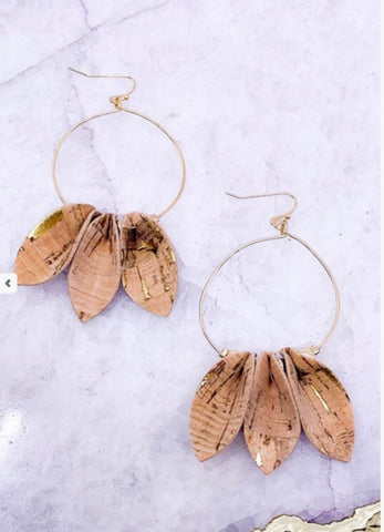 HOOP EARRINGS WITH CORK DETAIL