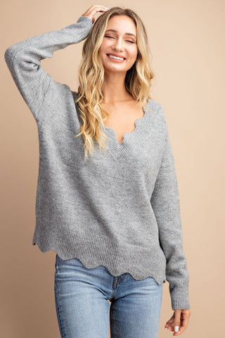 GREY SCALLOPED EDGE V-NECK SWEATER in S/M-M/L