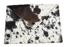 Load image into Gallery viewer, COWHIDE Pouch 0002