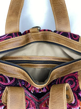 Load image into Gallery viewer, MoonLake Designs handmade Gabriella Large Convertible Day Bag inside view of closed pockets and cream colored cotton liner