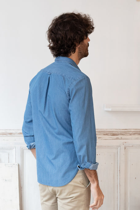 Nice shirt men blue jean on model back