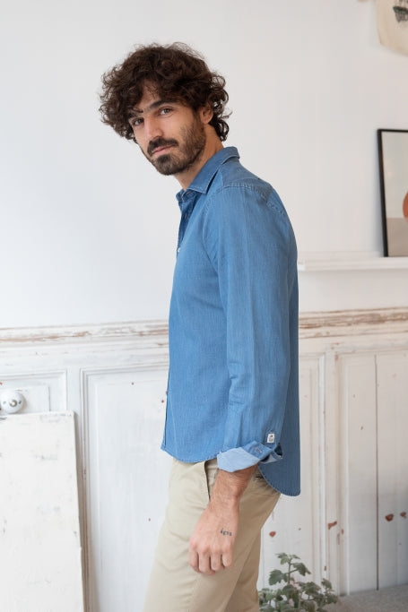 Nice shirt men blue jean on model lifestyle side