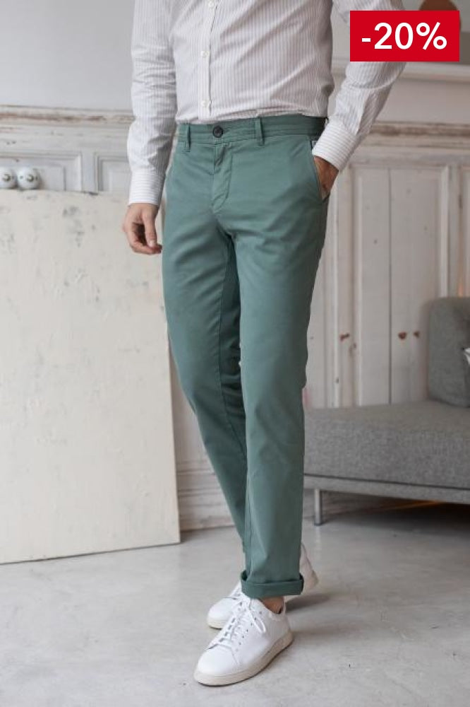 Nice pant for men green front view