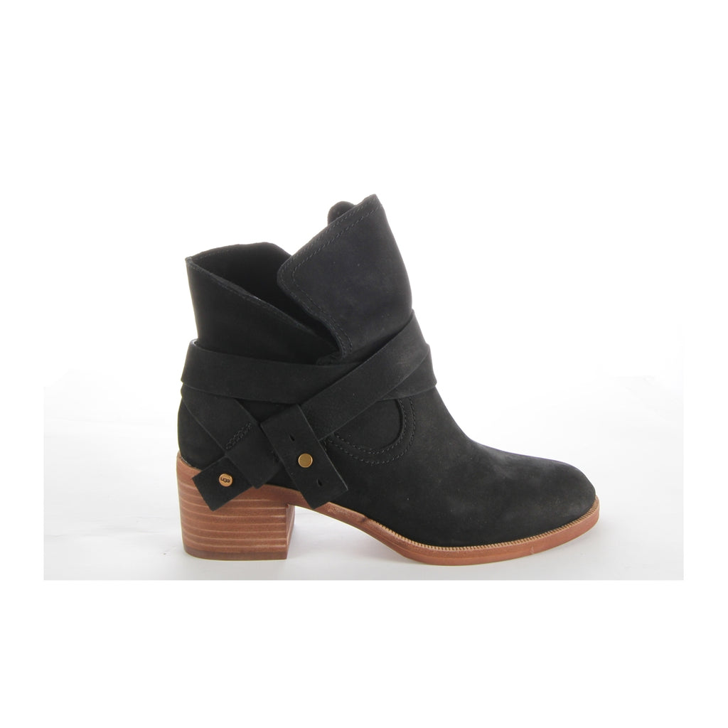 UGG Women Elora Black Ankle Boots
