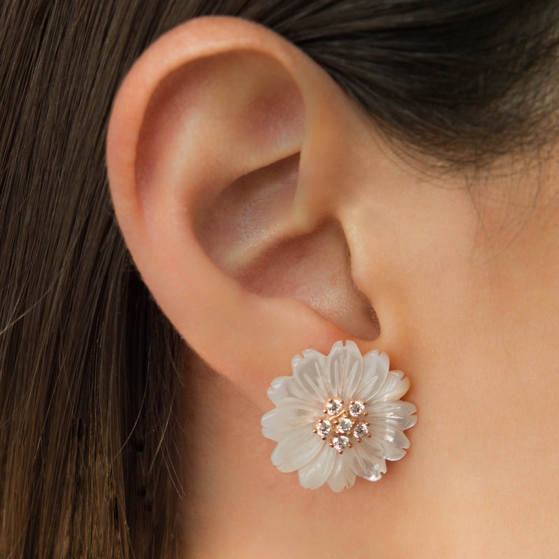 925 SILVER ROSE GOLD PLATED DAISY EARRINGS WITH WHITE MOTHER OF PEARL AND CRYSTALS.