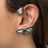PLATEAD EARCUFF WITH BLACK RHODIUM AND SWAROVSKI CRYSTALS