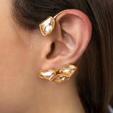GOLD PLATEAD EARCUFF WITH SWAROVSKI CRYSTALS