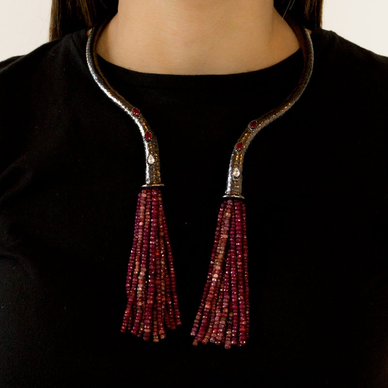 925 SILVER BLACK RHODIUM PLATED NECKLACE WITH RUBIES