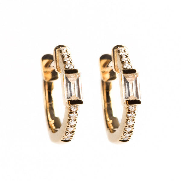 14K GOLD EARRINGS WITH ROUND AND BAGUETTE DIAMONDS.