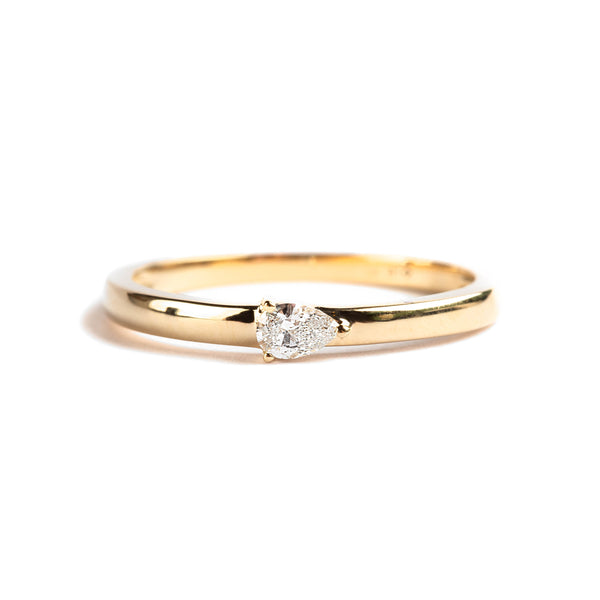 14K GOLD RING WITH PEAR CUT DIAMOND