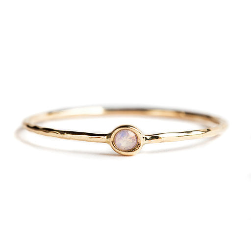 14K GOLD RING WITH OPAL