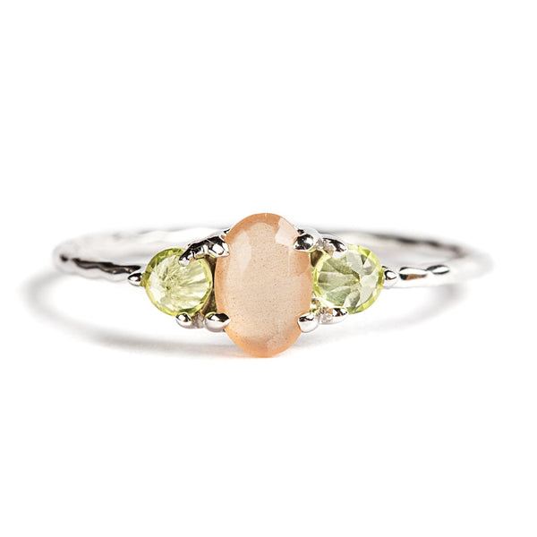 925 SILVER RING WITH PERIDOT AND MOONSTONE PEACH