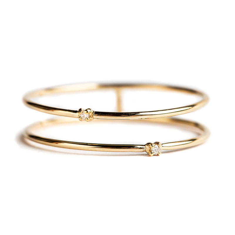 14K GOLD RING WITH DOUBLE BAND AND DIAMONDS