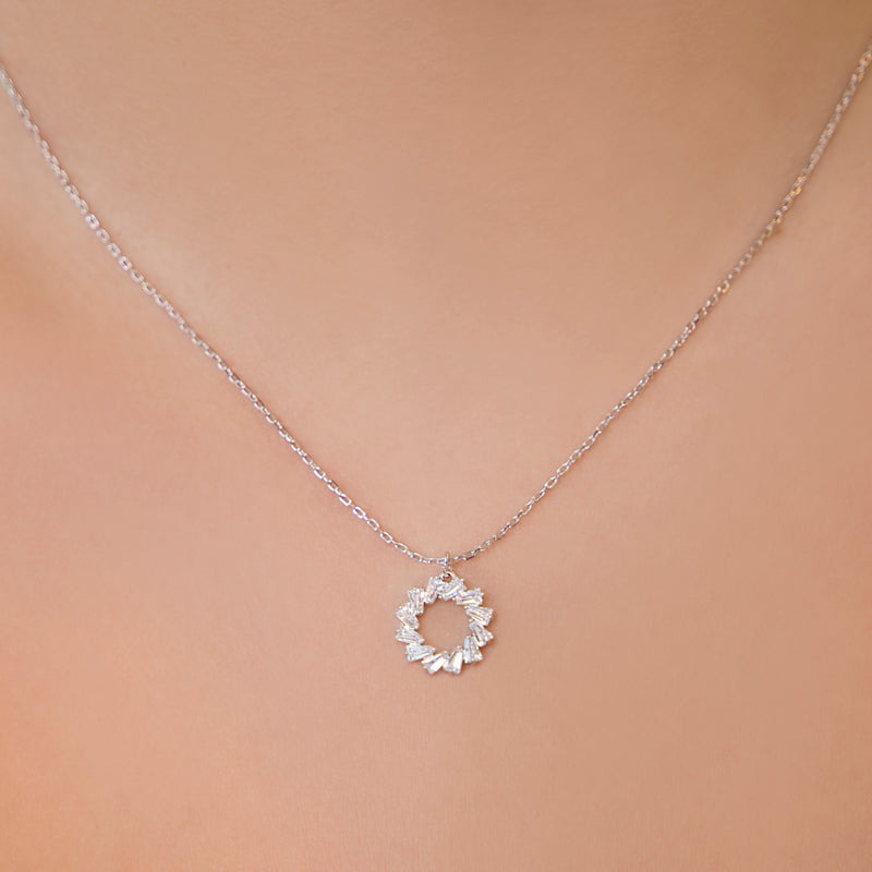 925 SILVER CHAIN AND PENDANT WITH BAGUETTE CRYSTALS