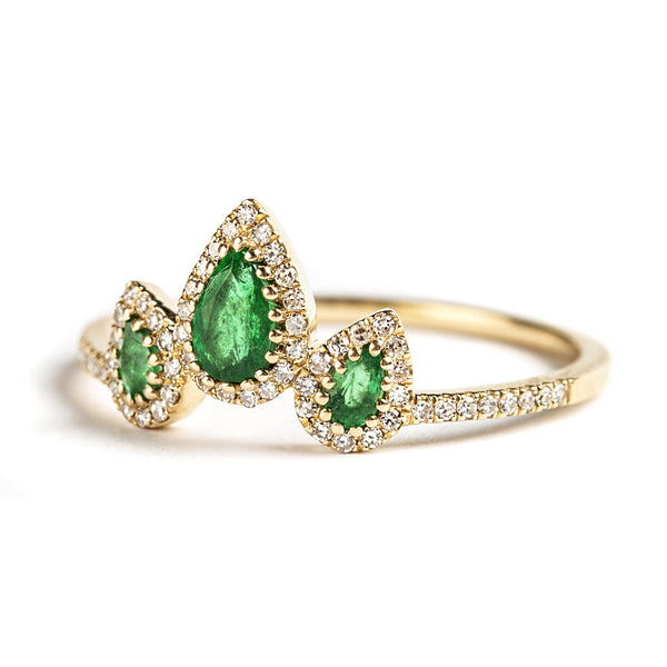 14K YELLOW GOLD RING WITH EMERALDS AND DIAMONDS