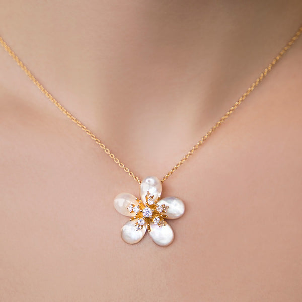 925 SILVER GOLD PLATED CHAIN WITH MOTHER OF PEARL FLOWER PENDANT AND CRYSTALS