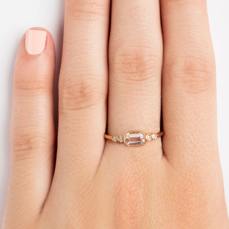 14K ROSEGOLD RING WITH MORGANITE AND DIAMONDS