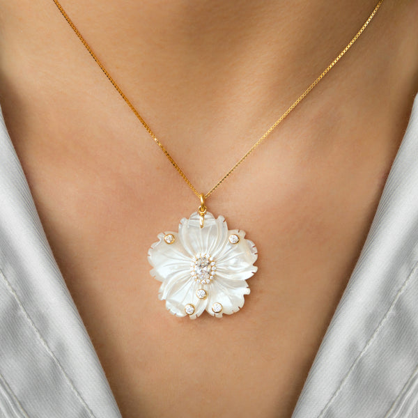 925 SILVER GOLD PLATED CHAIN WITH MOTHER OF PEARL FLOWER AND CRYSTALS