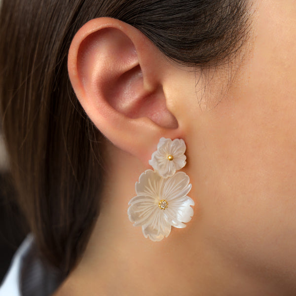 925 SILVER GOLD PLATED LONG EARRINGS WITH MOTHER OF PEARL FLOWERS