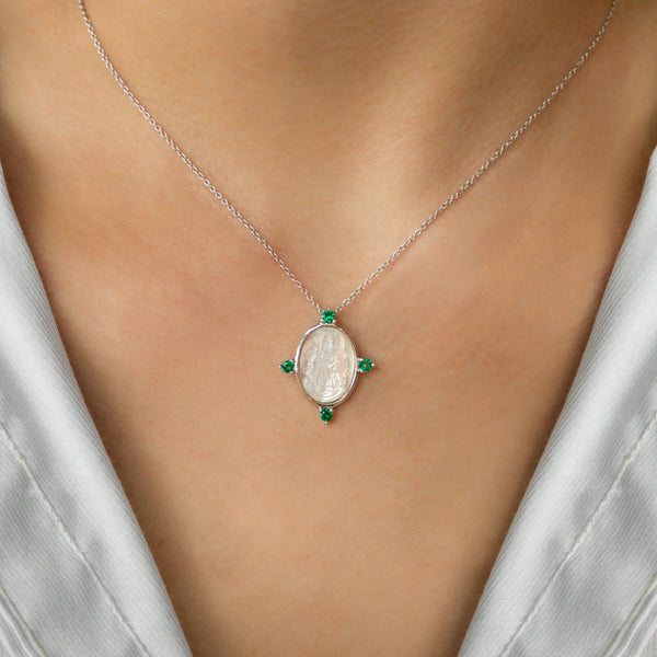 925 PLATED CHAIN WITH ROSARIO VIRGIN MEDAL OF MOTHER OF PEARL AND GREEN CRYSTALS