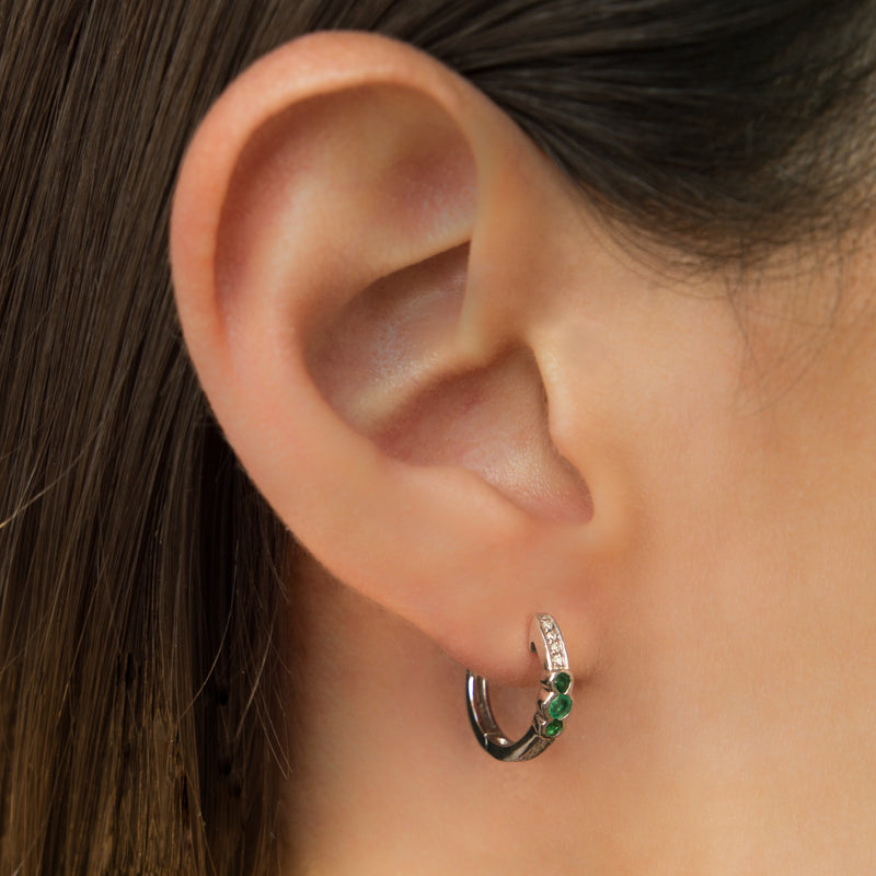 14K WHITE GOLD HOOPS EARRING WITH EMERALD AND DIAMONDS