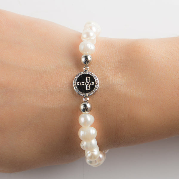 BRACELET WITH PEARLS AND CROSS CHARM