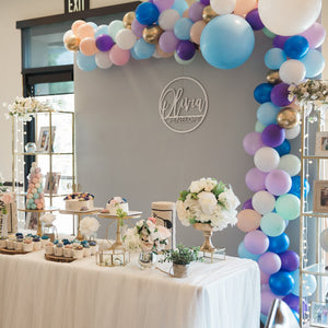 1ST - WOODEN WALL WITH GRAY PURPLE BALLOONS