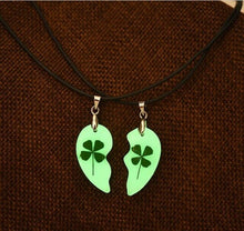 Load image into Gallery viewer, Clover Luminous Couple Necklace