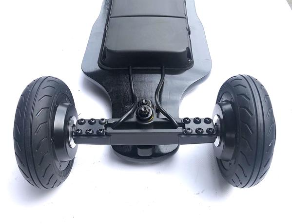 Tranzite GT Black e Skateboard  Wheels Side